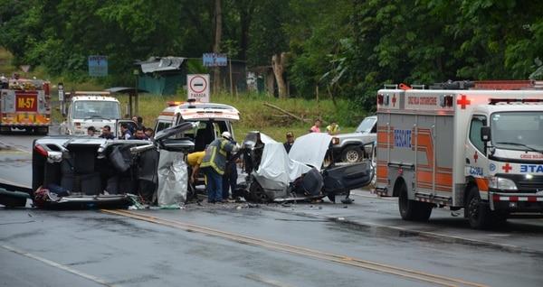 El carro que manejaba Marco derrapó, dio varias vueltas y chocó. Foto: Jorge Umaña / Archivo.