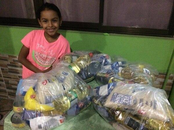La familia ha donado bastantes diarios con la venta de los bolihelados. Foto: Cortesía.