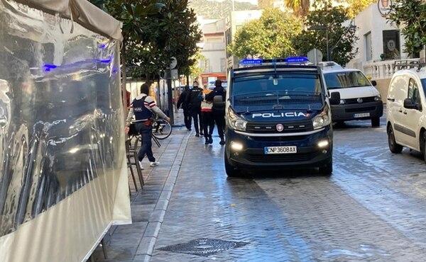 El supuesto sicario y su intermediario fueron detenidos en una cafetería en Marbella, Málaga. Foto tomada del Diario Sur de España.