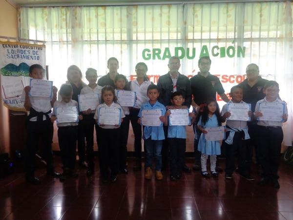 Escolares de Barva de Heredia se graduaron este 20 de julio en el programa por un cantón más seguro y libre de accidentes. Cortesía Municipalidad de Barva
