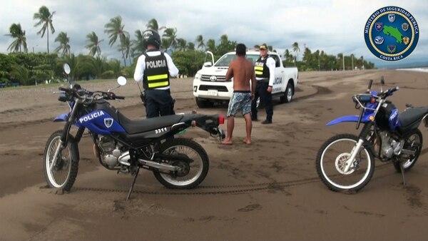 El fin se semana le decomisaron las tablas a tres turistas en Santa Teresa. Foto: MSP.