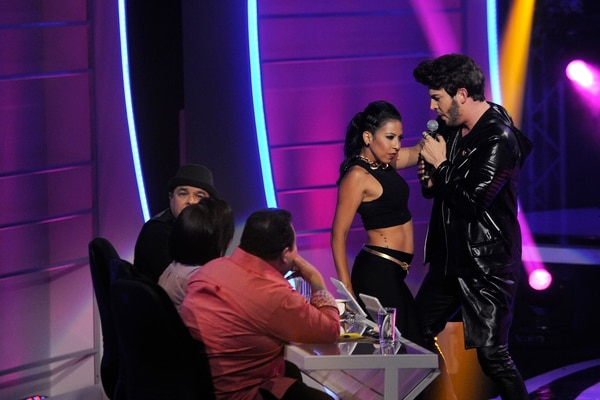 Grabación del programa, Tu Cara me Suena, en el canal 7, en la foto Elvis Tico como Sebastián Yatra , foto Rafael Murillo