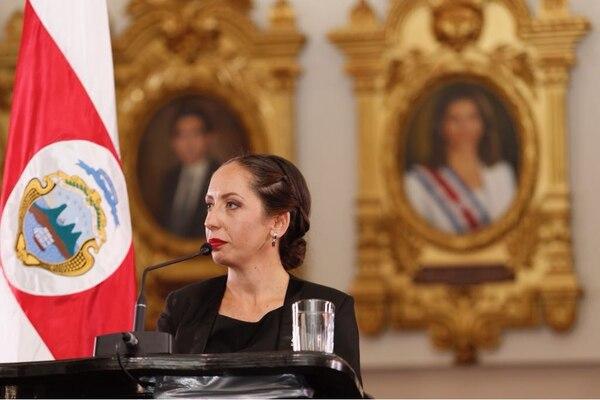 Carolina Hidalgo ofreció su primera conferencia de prensa como presidenta del Congreso