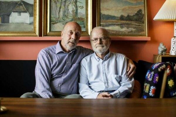 Iván Larsen y Ove Carlsen cumplieron 30 años de matrimonio. AFP