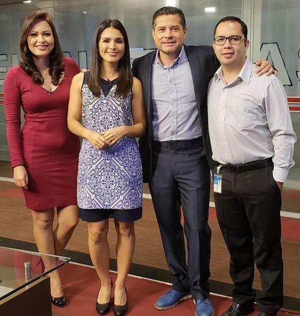 Gustavo López presenta la edición matutina junto a Jahaira Piña, Natalia Suárez y Andrés Martínez. Foto: Instagram.