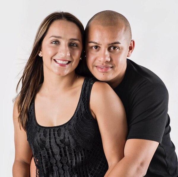 A Mónica y a su marido, José Luis Rodríguez, los une el gusto por el fútbol. Cortesía.
