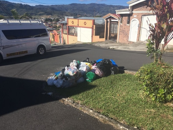 Si usted es vecino de Cartago tome nota sobre los cambios en la recolección de la basura en su comunidad. Foto: Karen Fernández