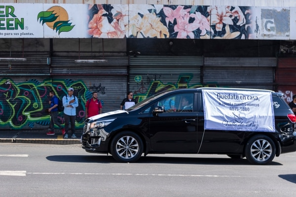 Las carrozas realmente llamaron la atención de los josefinos. Foto José Cordero.