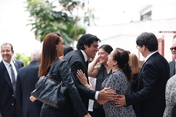 Distintas figuras políticas acompañaron al expresidente en este momento de dolor. Foto: José Cordero