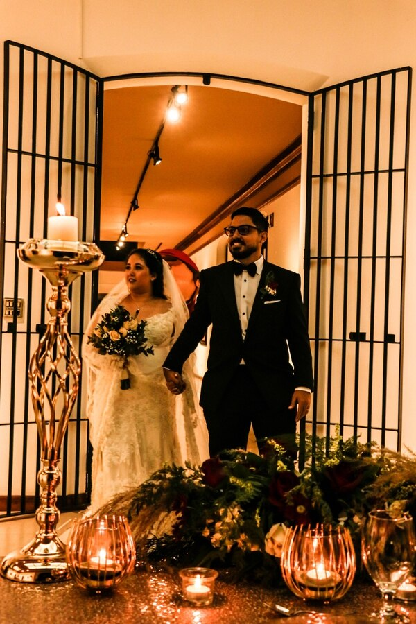 Los recién casados tuvieron una pequeña recepción junto a sus familiares más cercanos después de la ceremonia. Cortesía