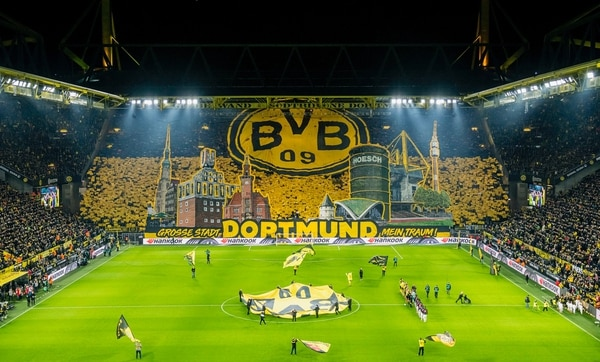 Borussia Dortmund facilitó las instalaciones del Signal Iduna Park para atender a pacientes del coronavirus. Borussia Dortmund