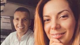 """Esposa de Pablo Gabas es su modista: """"Él confía ciegamente en lo que yo le ponga"""""""