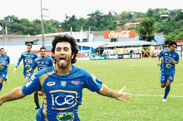 País lleva 15 años de vivir en Costa Rica desde que vino a jugar en Pérez Zeledón. Foto: Mario Cordero.