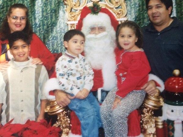 Toda la familia se infectó. Les encantaba la Navidad. Foto: Cortesía