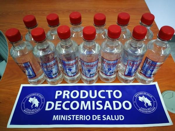 Aguardiente adulterada con metanol. Foto: Ministerio de Salud