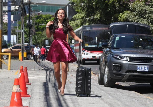 La joven Gabriela Oviedo deberá esperar hasta el 12 de marzo para saber si quedó entre las 10 finalistas. Foto: John Durán