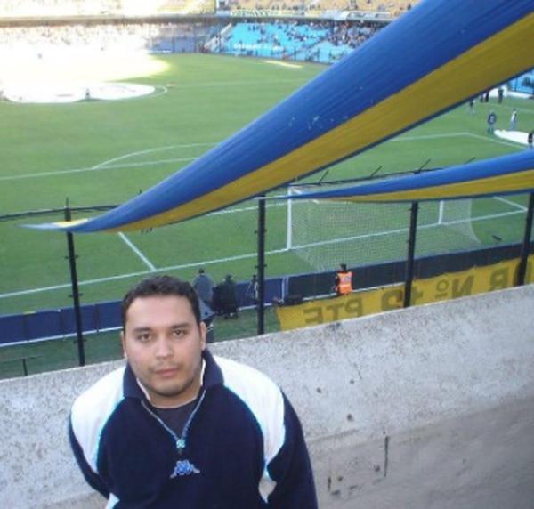 En el 2008 Adrián fue por primera vez a conocer La Bombonera. Instagram
