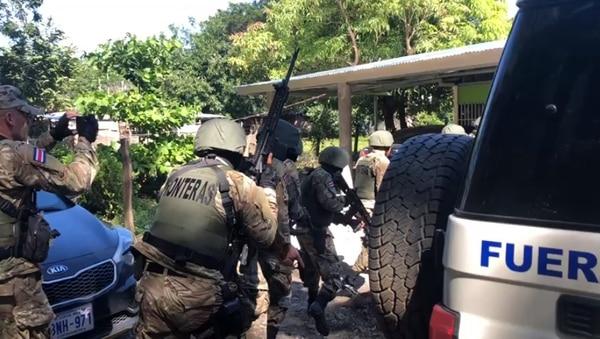 Los agentes allanaron 22 casas en distintas zonas de Guanacaste. Foto: OIJ