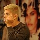 12/06/2017 GNMedios. Retratos a el Influencer Alex Badilla, quien es estilista pero hace año y medio ha sido catalogado como influencer en el país por sus videos de maquillaje y particular forma de vestirse. Foto de: Diana Méndez.