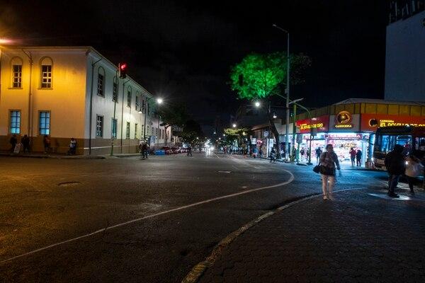 Las calles de Chepe empezaron a vaciarse a pocos minutos para las 10 de la noche del martes. Fotografía José Cordero