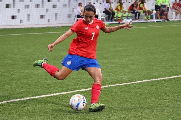 Herrera fue muy importante en la clasificación de la Sele femenina a semifinales. Foto: PRENSA EQUIPO OLÍMPICO CRC