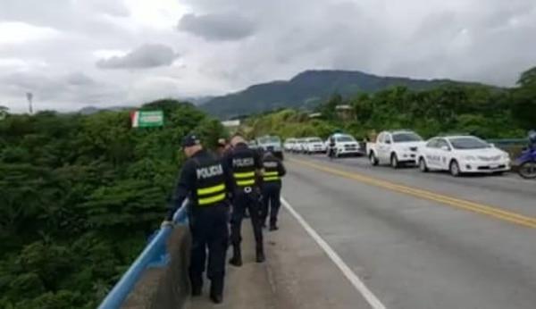 Los cuerpos policiales del MSP están buscando al reo por tierra y aire. Foto: Suministrada por Shirley Vásquez.