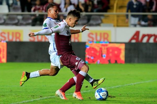 Manfred Ugalde anotó doblete anoche. Foto: Rafael Pacheco