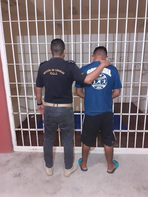 El hombre de apellidos Scott Jiménez, de 26 años, pedía servicios de taxi y luego asaltaba a los conductores. Foto: OIJ