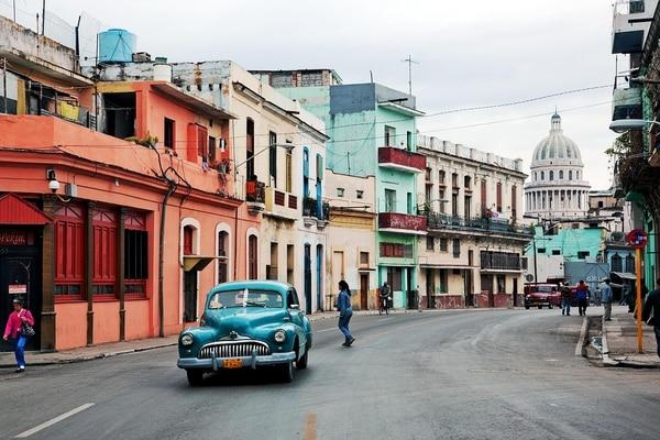 El TSE debe mandar a La Habana, Cuba, porque el correo postal de ese país no es confiable. Foto: Archivo.