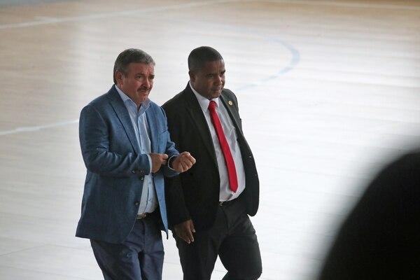 Óscar Ramírez y Cristian Williams el lunes previo a la conferencia de prensa para anunciar a los 23 convocados al Mundial de Rusia./ Fotografia John Durán