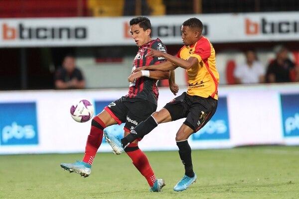 Barlon Sequeira entró de cambio y tampoco fue la gran movida del técnico Andrés Carevic. José Cordero