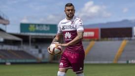 John Jairo Ruiz se viste de rojiamarillo
