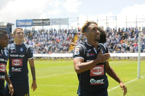 Con jugadores como Marcel Hernández, los blanquiazules se ilusionan con volver por fin a unas semifinales. Foto: Rafael Murillo.