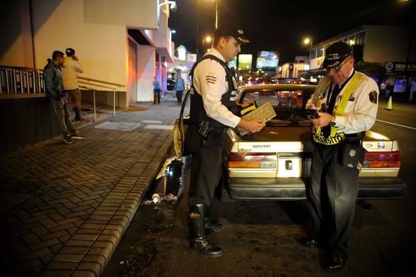 Los oficiales de tránsito estarán en todas atrapando jumitas. Foto de: Diana Méndez.