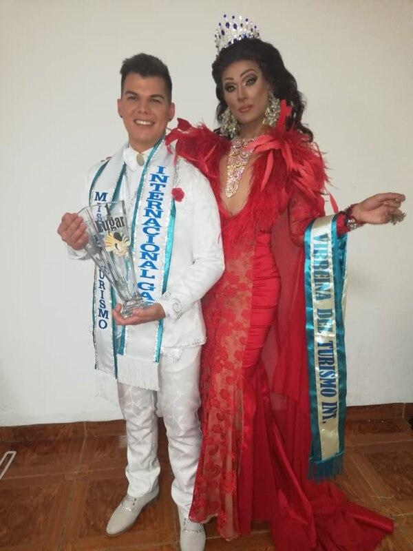 Brayan y Jeimy Owell trajeron premios en representación de Tiquicia. Cortesía.