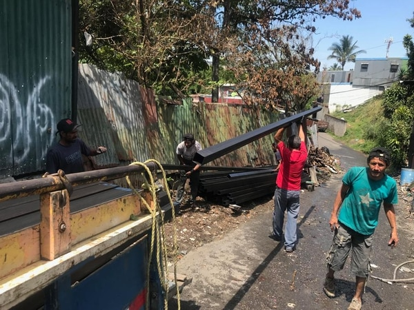 Ya han donado algunos materiales de construcción, pero siguen necesitando ayuda.