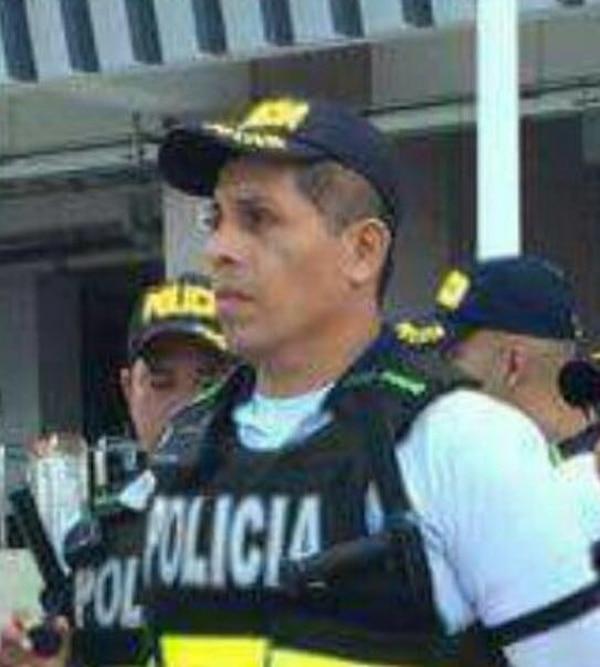 Alfonso López, 46 años, Policía Turistíca, vecino de Guanacaste.