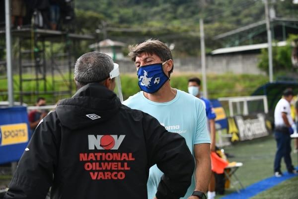 Rándall y Cristian Salomón se verán las caras en otros dos juegos para ver quién asciende. Foto: Jorge Castillo