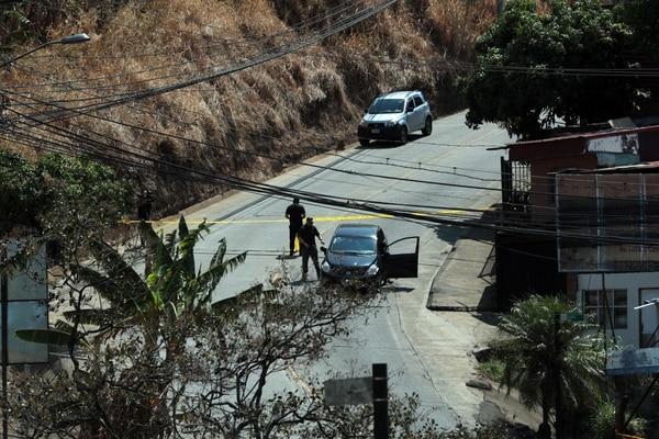 5/04/2018 Agentes del OIJ en horas de la mañana llegaron Barrio Bajo los Ledezmas para hacer la recreación de la escena del crimen por la muerte del delincuente el Gringo. Foto Alonso Tenorio