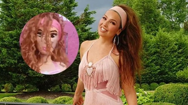 Thalía se volvió loca cuando vio la piñata. Facebook.