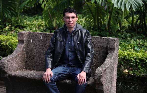 Fabricio Alvarado es vecino de Atenas y estudia en San José. Fotografia: Graciela Solis