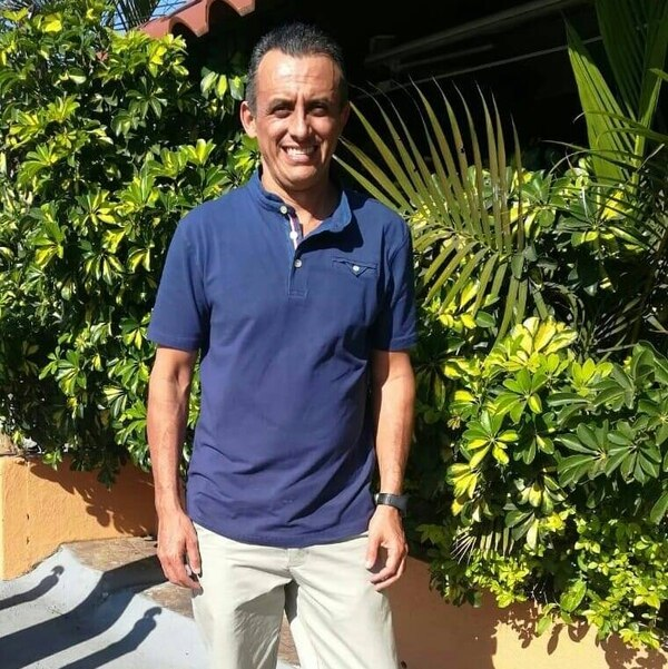 Carlos Chavarría está agradecido y motivado con el obsequio. Foto: Cortesía