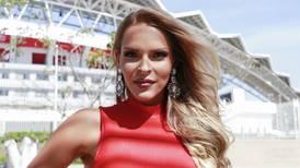 Modelo Evelyn Sibaja mandó filazo a quienes critican su relación con ex de Lynda Díaz