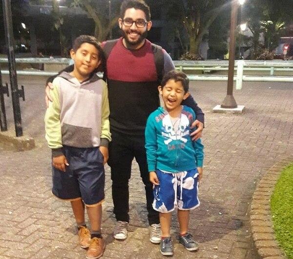 El joven motociclista amaba a sus hijos sobre todas las cosas. Foto: Cortesía de Luis Diego Hernández.