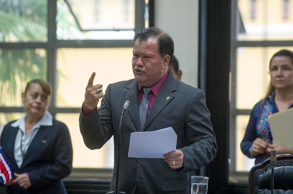 Abelino Esquivel, diputado de Renovación Costarricense enfrenta cinco denuncias. Foto José Cordero