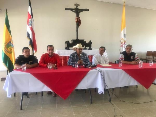 Autoridades municipales y religiosas dieron a conocer detalles de las actividades.