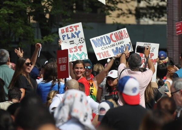 La afición se tiró a la calle a festejar. Bruce Bennett/Getty Images/AFP
