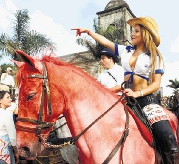 Melissa Mora siempre llama la atención en este tipo de eventos. Foto: Rafael Pacheco.