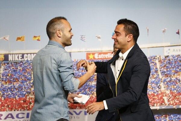 Andrés Iniesta y Xavi Hernández son dos leyendas en el Barcelona. Archivo