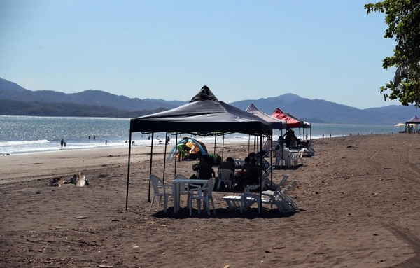 Las playas continuarán abiertas de lunes a domingo de 5 a.m. a 6 p.m. Foto Alonso Tenorio